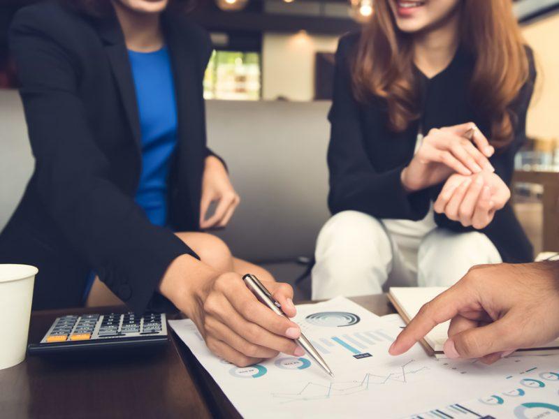 5 Ways to Avoid Pitfalls When Choosing a Financial Planner
